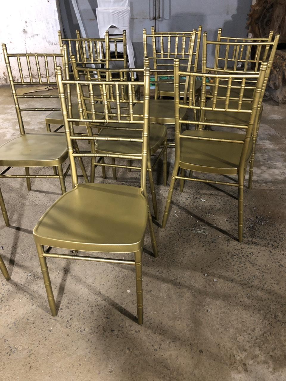 Ghế tiffany vàng đồng nhũ