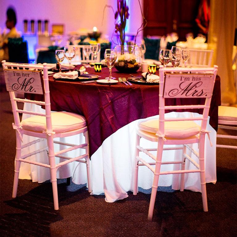 Ghế tiffany hồng